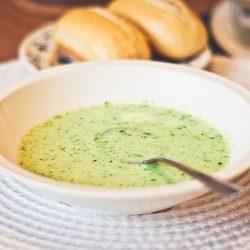 Broccoli- och blomkålssoppa